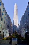 Rockefeller-Mittelweihnachtsdekoration New York Stockbild