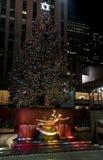 Rockefeller-Piazza zur Weihnachtszeit Stockbilder