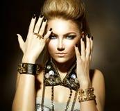 Rocker-Art-Mädchen-Porträt Lizenzfreie Stockfotografie