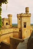 rockera gammala torn Olite Arkivbilder