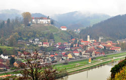 Rockera i Sevnica, Slovenien, barndomstad av Melania trumf Arkivbilder