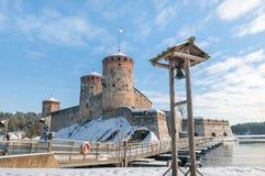 Rockera Olavinlinna Olofsborg på en solig vinterdag En 15th-ce Royaltyfria Bilder