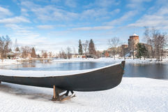 Rockera Olavinlinna Olofsborg på en solig vinterdag En 15th-ce Royaltyfri Bild