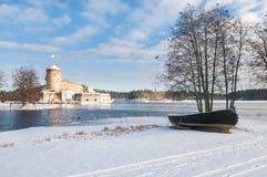 Rockera Olavinlinna Olofsborg på en solig vinterdag En 15th-ce Royaltyfri Foto
