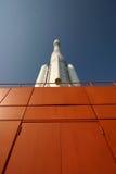 Rocket auf einer Plattform Stockfoto