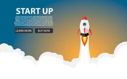 Rocket Launch Il nuovo progetto inizia sul concetto nello stile piano di progettazione Spazio per testo Illustrazione di vettore Fotografia Stock