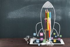 Rocket Sketch On Blackboard photographie stock libre de droits