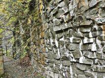 Rockowa faleza przy Dakigaeri wąwozem w Japonia fotografia royalty free