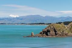 Rockowa formacja na plaży przy biel Trzymać na dystans, Nowa Zelandia Obraz Stock