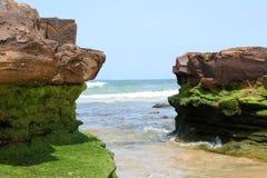Rockowa formacja na plaży Zdjęcie Royalty Free