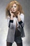 Rockowa zmysłowa dziewczyna na starym mody tle Obraz Royalty Free
