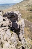 Rockowe formacje przy nadziei doliną w Szczytowym Gromadzkim parku narodowym, Derbyshire Obrazy Stock