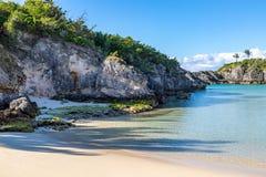 Rockowe formacje przy plażą w Bermuda, fotografia stock