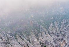 Rockowe formacje w kierunku wierzchołka wulkan kaldera Zdjęcia Royalty Free