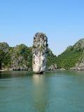 Rockowe wyspy w morzu fotografia stock