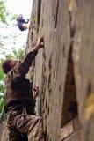 Rockowego arywisty wspinaczkowy up Fotografia Stock