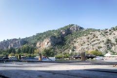 Rockowi grobowowie biorą gości brać przespacerowanie przez stron historia i brać one różny świat Fethiye, Turcja obraz stock