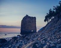 Rockowy żagiel na otoczaka wybrzeżu Czarny morze Obrazy Royalty Free