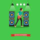 Rockowy gitarzysta bawić się gitarę elektryczną na scenie, wektorowa ilustracja ilustracji