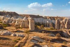 Rockowy piękny antyczny kamienia krajobraz w Indyczym Capadocia Zdjęcie Stock