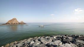 Rockowy plaży 4k czasu upływ blisko Dubai zbiory wideo
