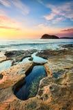 Rockpools à la plage de perle Images libres de droits