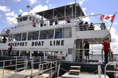 Rockport, am 25. Juni: Boot für 1000 Insel-Kreuzfahrten von Rockport in Kanada Stockfotografie