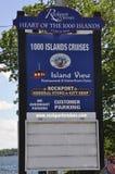Rockport, 25 Juni: Uithangbord voor 1000 Eilandencruises van Rockport in Canada Royalty-vrije Stock Foto
