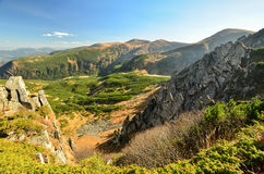 Rocks är i berg Fotografering för Bildbyråer