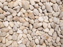Rocks är under på den skapade naturen Royaltyfria Bilder