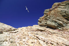 Rocks against a blue sky Royalty Free Stock Photography