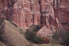 rocks för kanjonfallred Arkivbilder