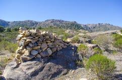 Rocks staplade på en vagga Arkivbilder