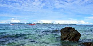 Rocks and Yacht, Thailand Royalty Free Stock Images