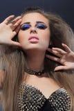 Rockstar dziewczyna w wizerunku staników ciernie Obraz Royalty Free