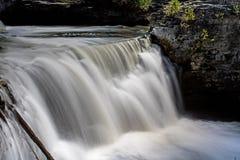 Rockwood cai no rio de Eramosa fotografia de stock royalty free