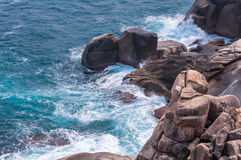 Free Rocky Beach And Beachcomber Royalty Free Stock Images - 49947989