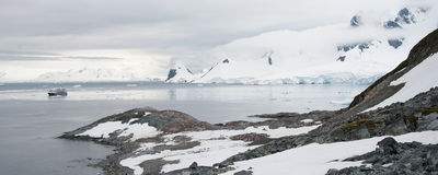 Rocky beach in Antarctica Stock Photography