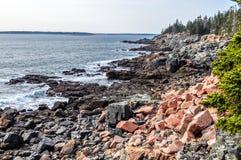 Rocky Beach en parque nacional de la Arcadia imagen de archivo