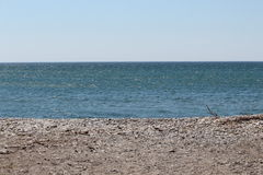 Rocky Beach reculé - premier ressort Photos libres de droits
