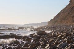 Rocky Beach Side de Palos Verdes California abaixo do penhasco fotos de stock