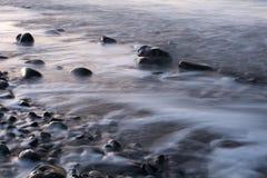Rocky Beach spumoso Fotografie Stock Libere da Diritti
