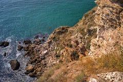 Rocky Black Sea-Küste von Bulgarien lizenzfreies stockfoto