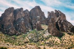 Rocky butte in desert Royalty Free Stock Images