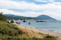 Rocky Calfornia Coastline lizenzfreie stockbilder