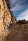 Rocky Cliff Trail Heading Uphill Stock Foto's