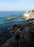 Rocky Cliffs d'Isla Mujeres près de Cancun, Mexique Photographie stock libre de droits