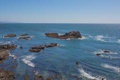 Rocky Coast do Oceano Pacífico de Oregon fotos de stock royalty free