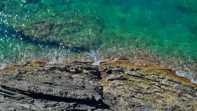 Rocky Coast in Italië op het Ligurian Overzees stock video