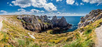 Rocky coastal scenery around Pointe de Pen-Hir in Brittany, Fran. Ce Royalty Free Stock Photography